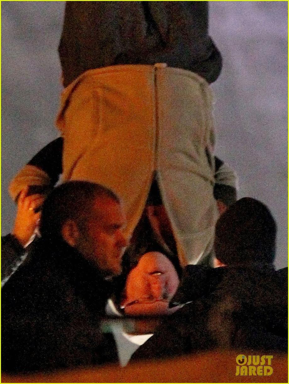 nicole kidman films with hanging man for paddington bear 162985987