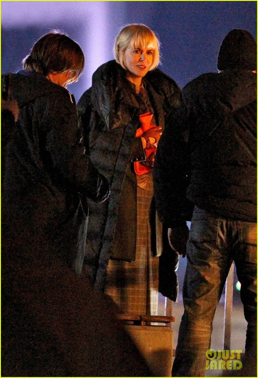 nicole kidman films with hanging man for paddington bear 242985995