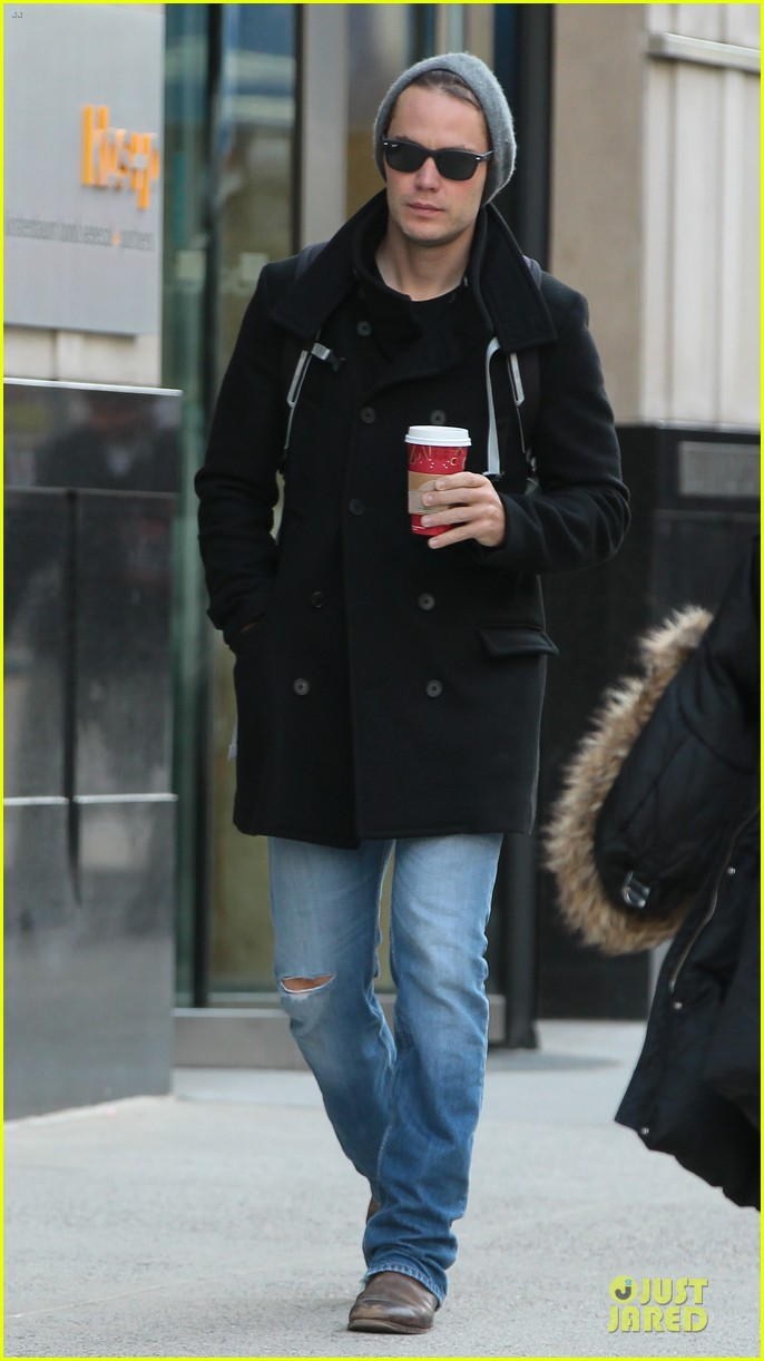 taylor kitsch wraps week with coffee 032993885