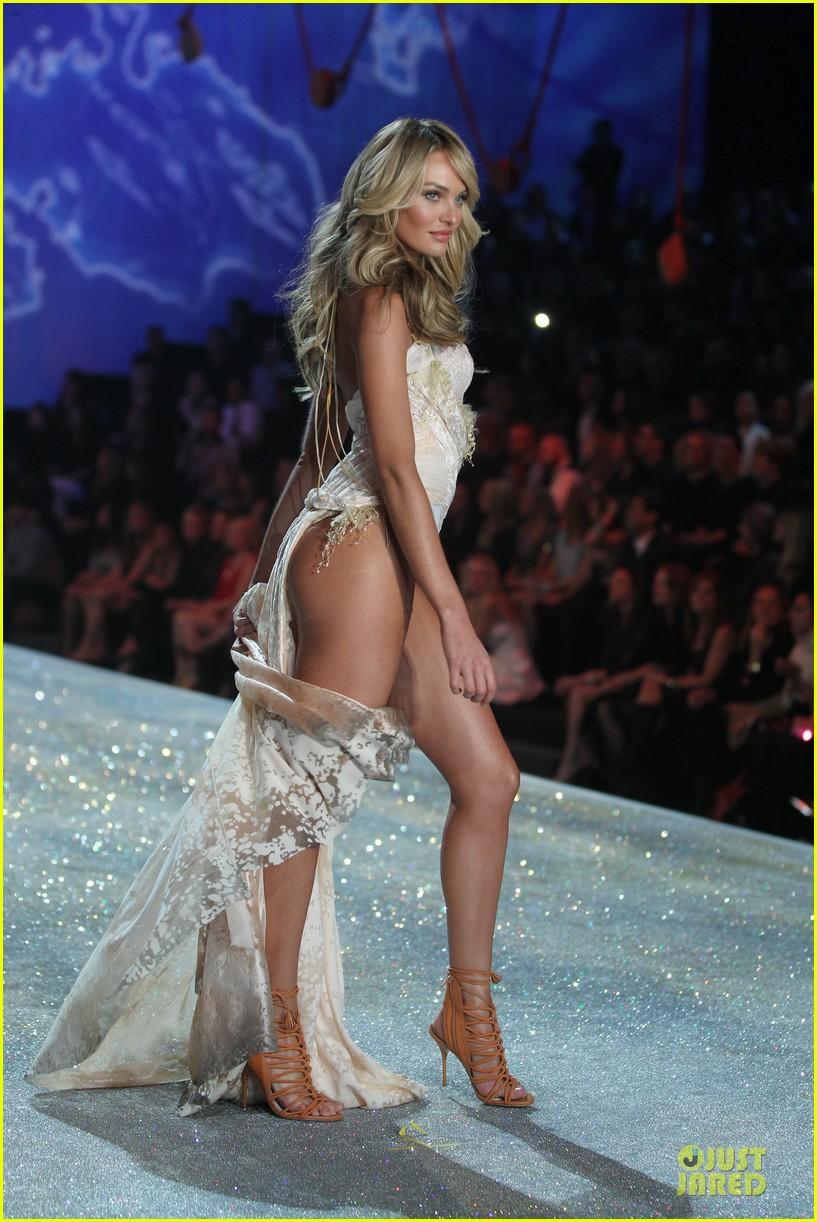 08b16138a1 Doutzen Kroes   Candice Swanepoel - Victoria s Secret Fashion Show 2013