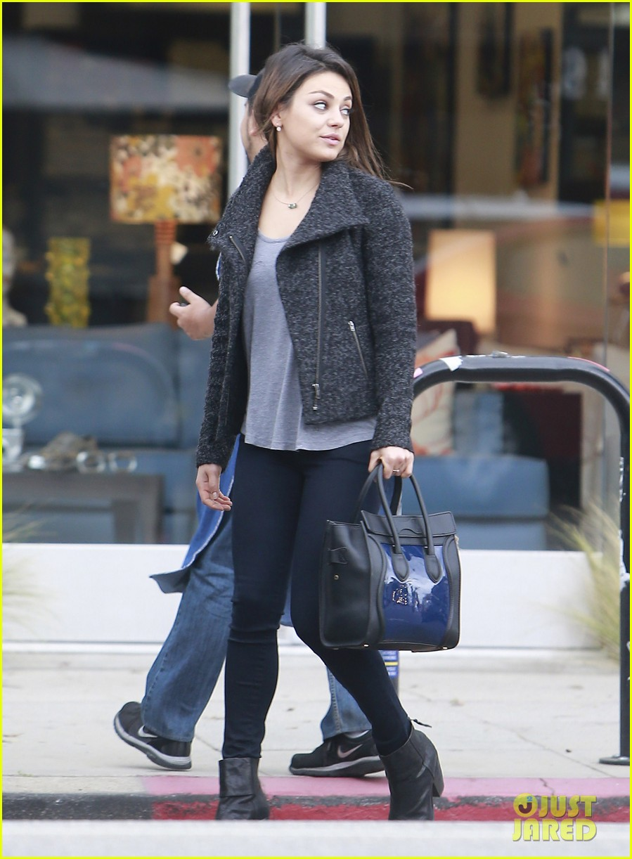 mila kunis shops amidst ashton kutchers walmart feud 072997292