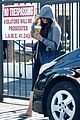 ashton kutcher mila kunis animal hospital with pet pooch 11
