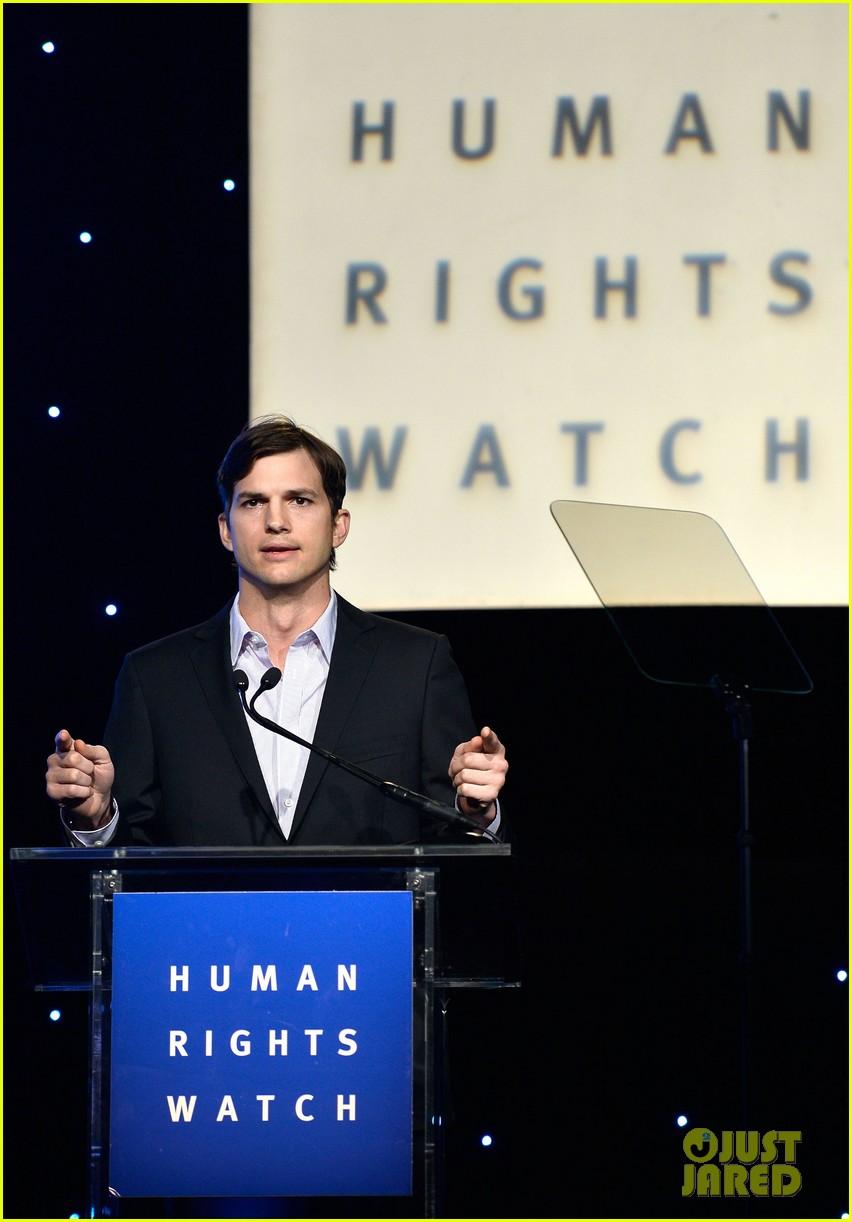 ashton kutcher speaks at human rights watch dinner 022991420