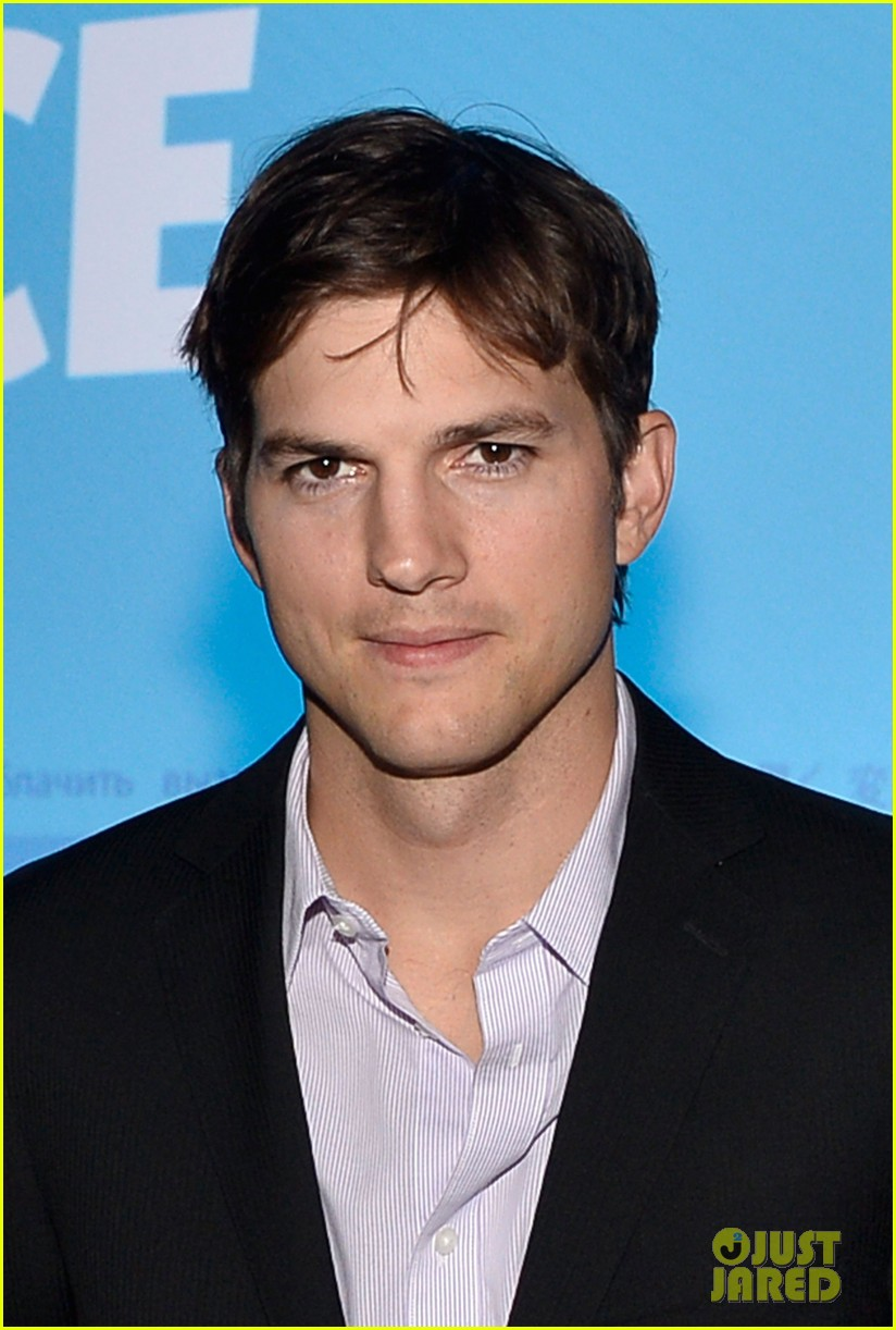 ashton kutcher speaks at human rights watch dinner 08