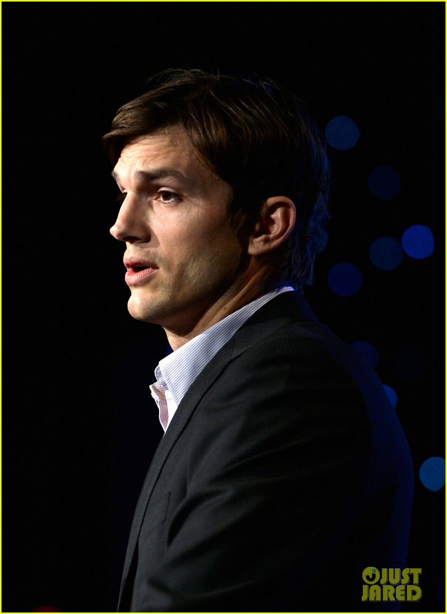 ashton kutcher speaks at human rights watch dinner 162991434