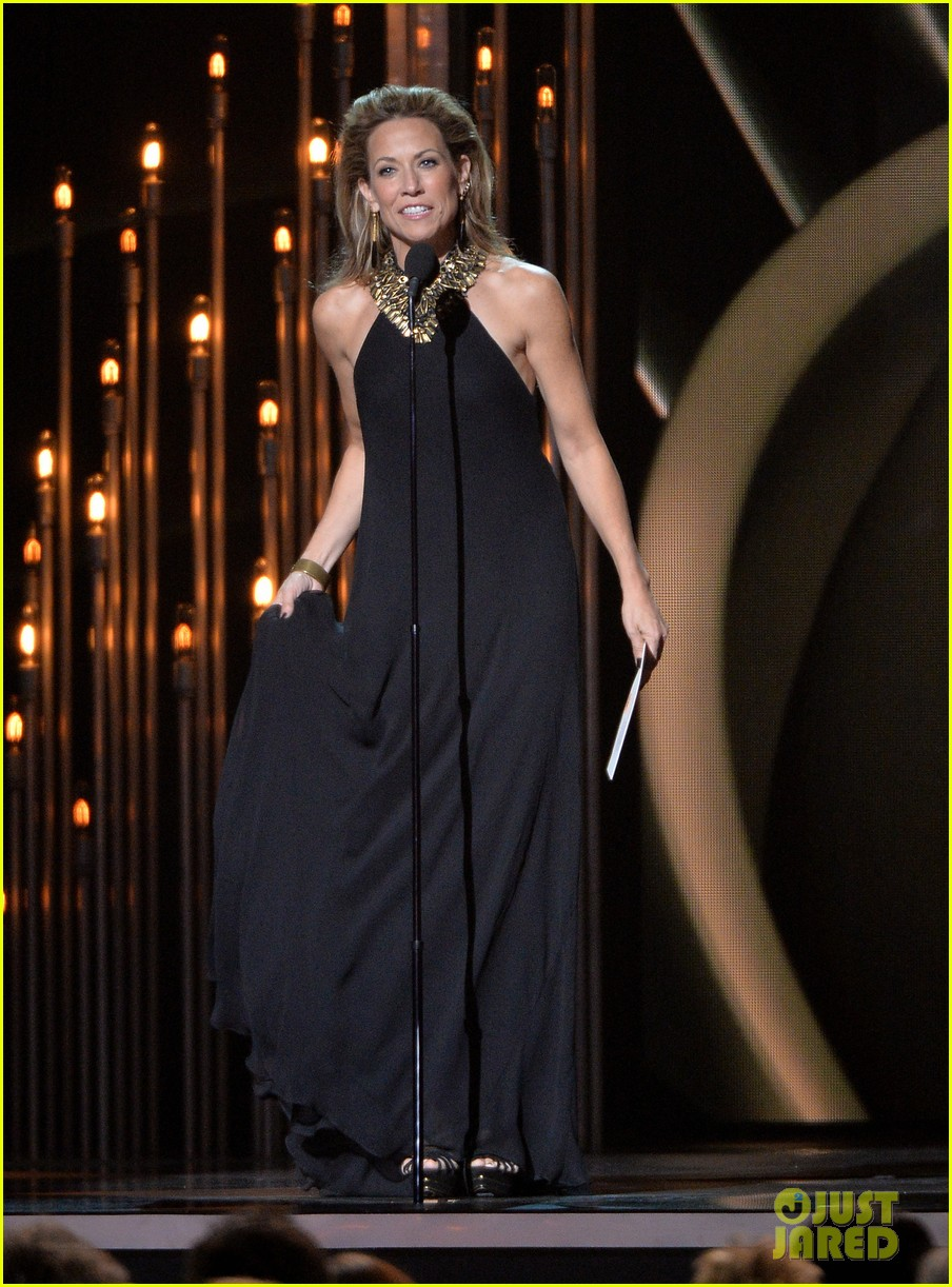 miranda lambert blake shelton cma awards 2013 red carpet 01