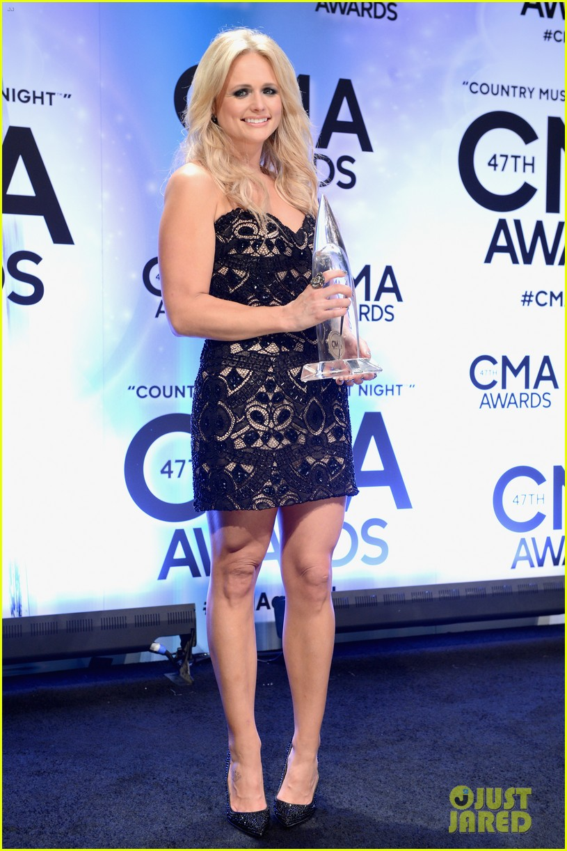 miranda lambert blake shelton cma awards 2013 red carpet 072987452