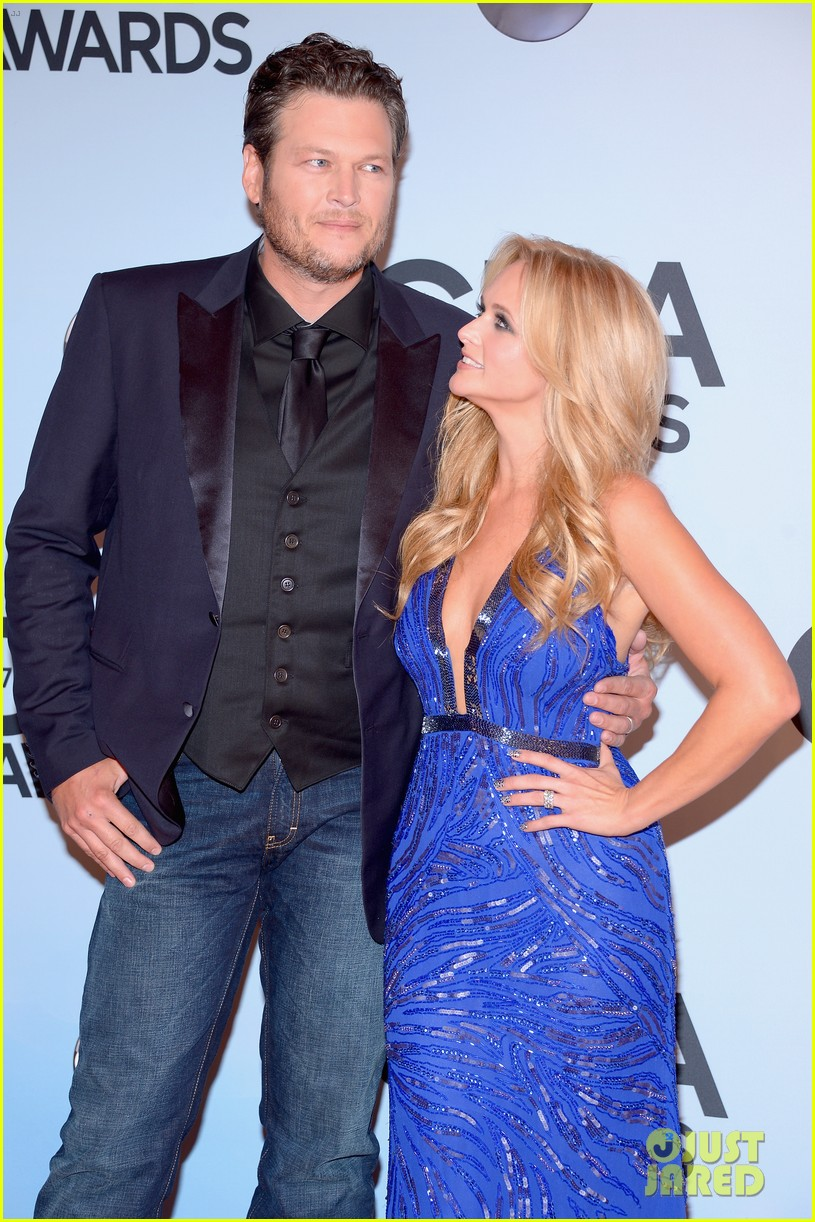 miranda lambert blake shelton cma awards 2013 red carpet 162987461