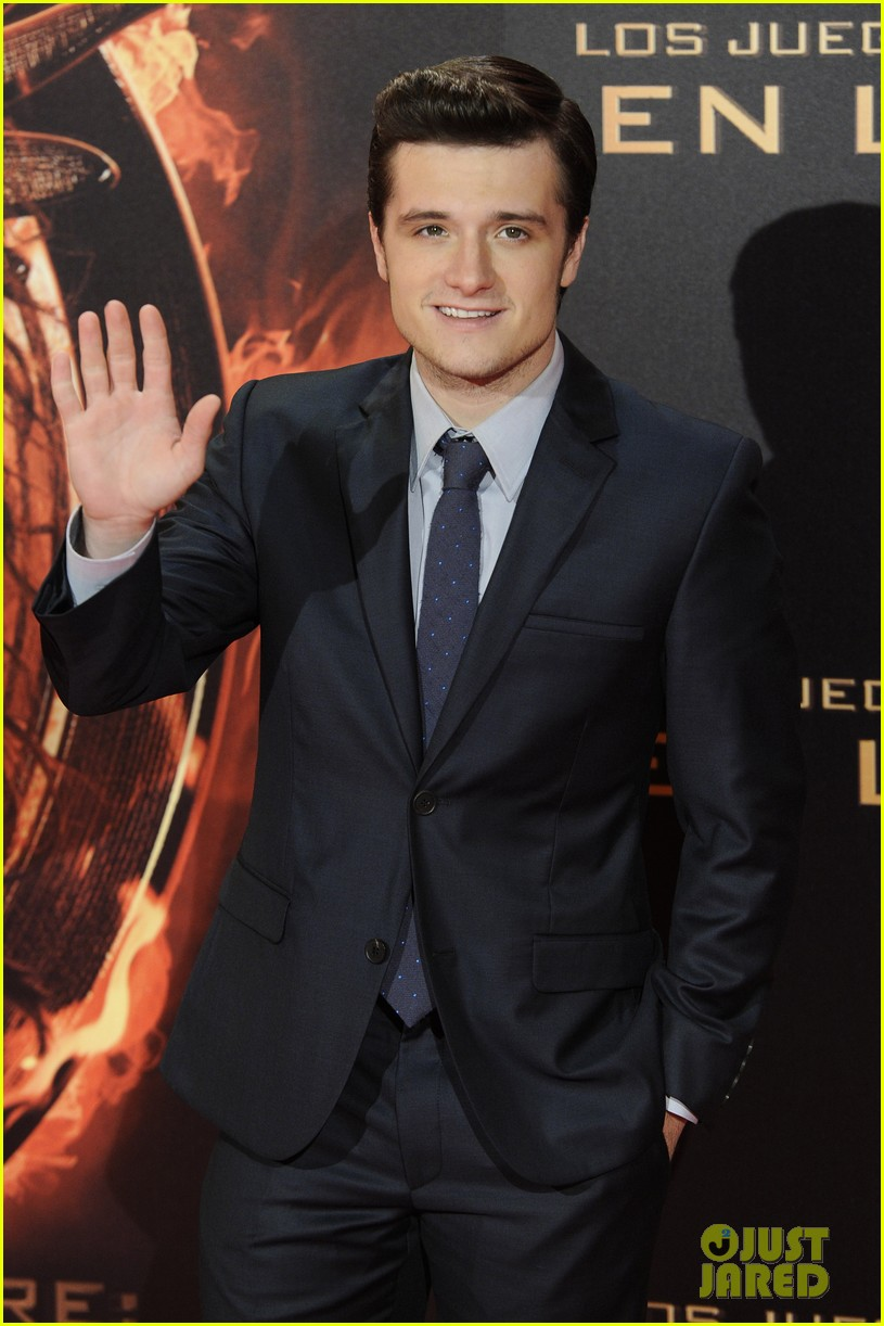 jennifer lawrence josh hutcherson catching fire madrid premiere 022991905
