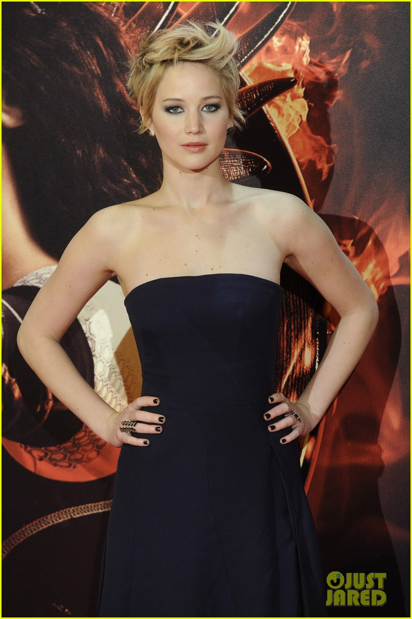 jennifer lawrence josh hutcherson catching fire madrid premiere 042991907