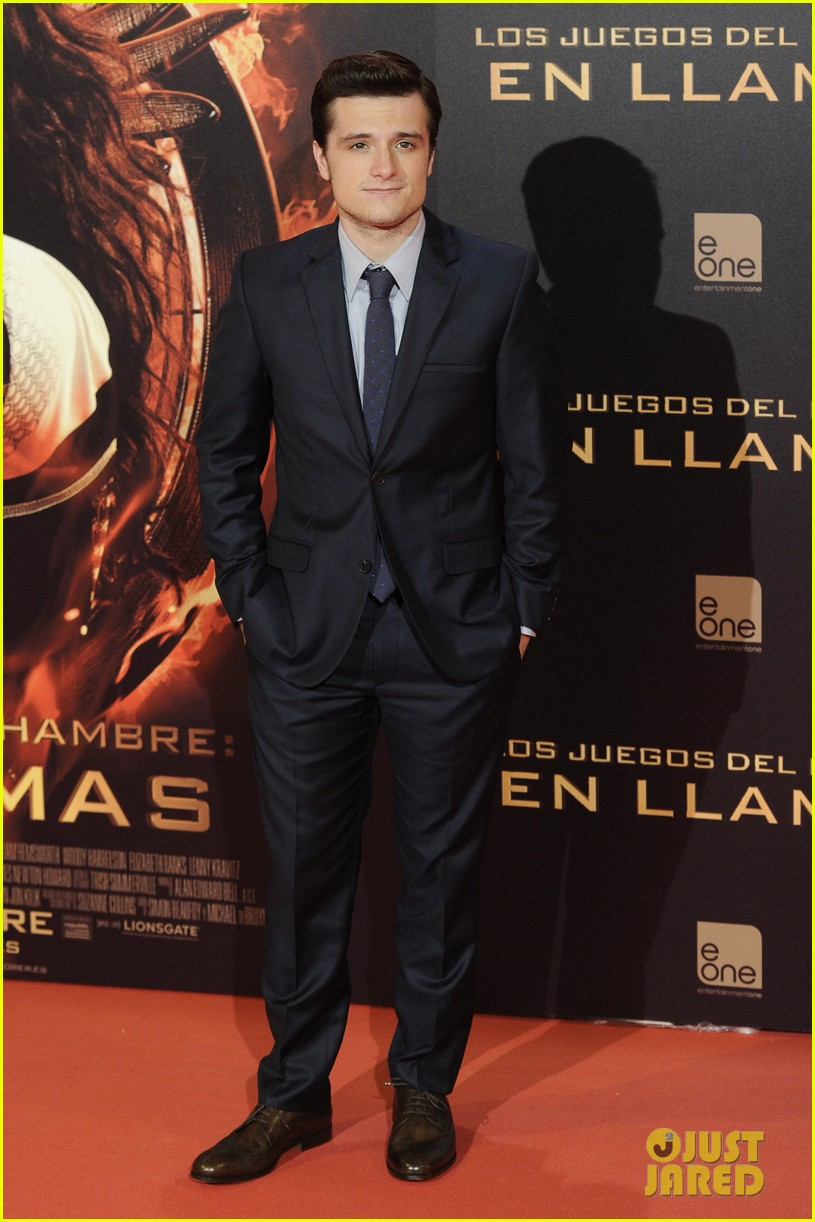 jennifer lawrence josh hutcherson catching fire madrid premiere 122991915