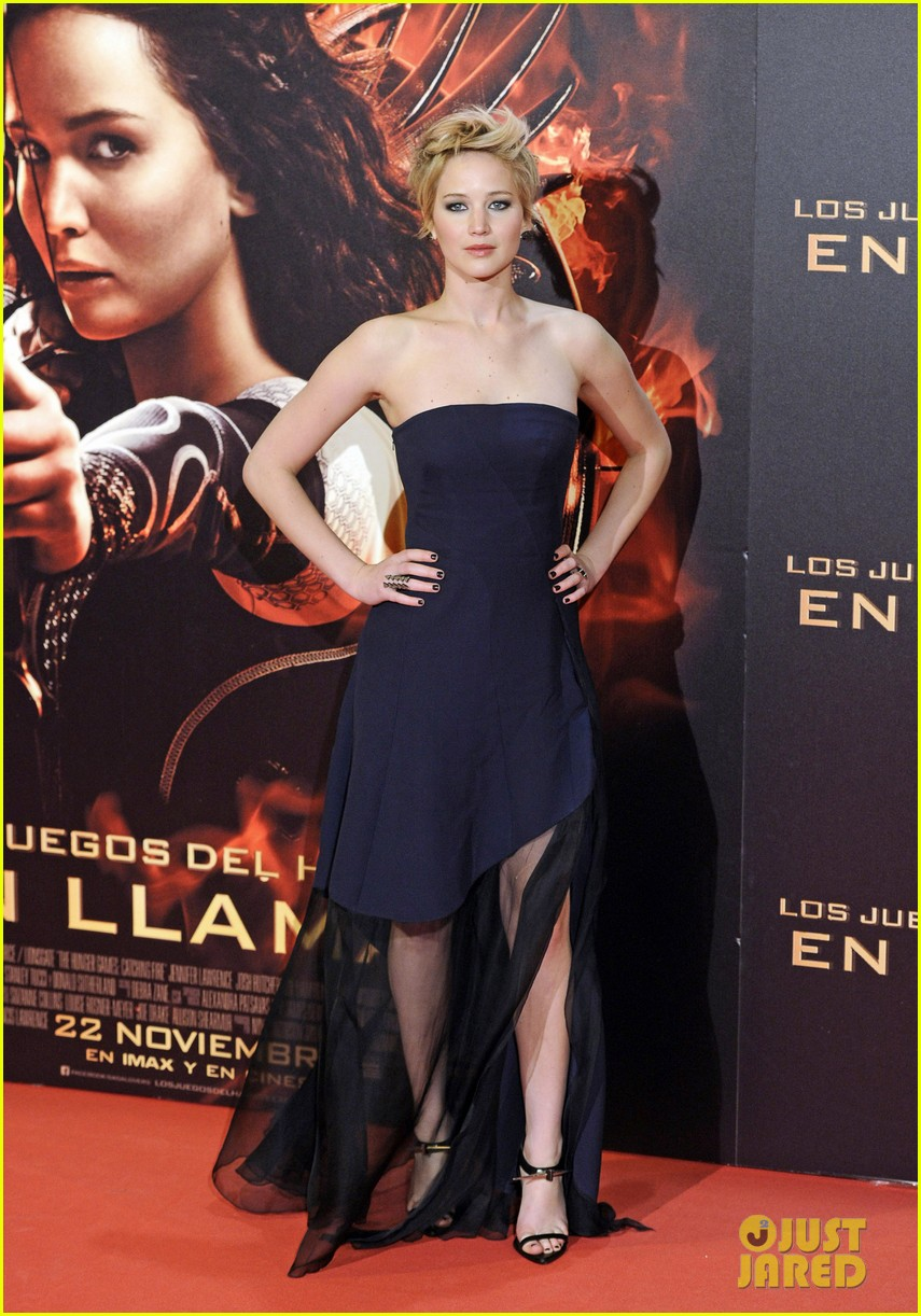 jennifer lawrence josh hutcherson catching fire madrid premiere 142991917