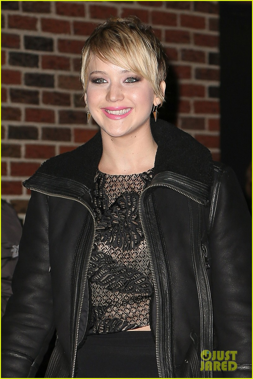 jennifer lawrence visits letterman with older brother ben 022996787