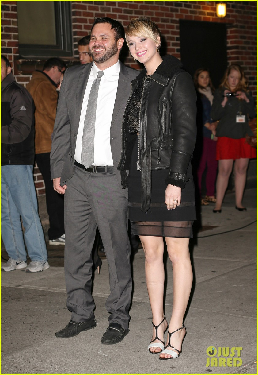 jennifer lawrence visits letterman with older brother ben 042996789