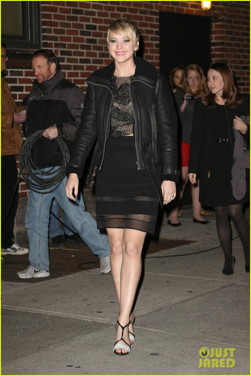 jennifer lawrence visits letterman with older brother ben 082996793