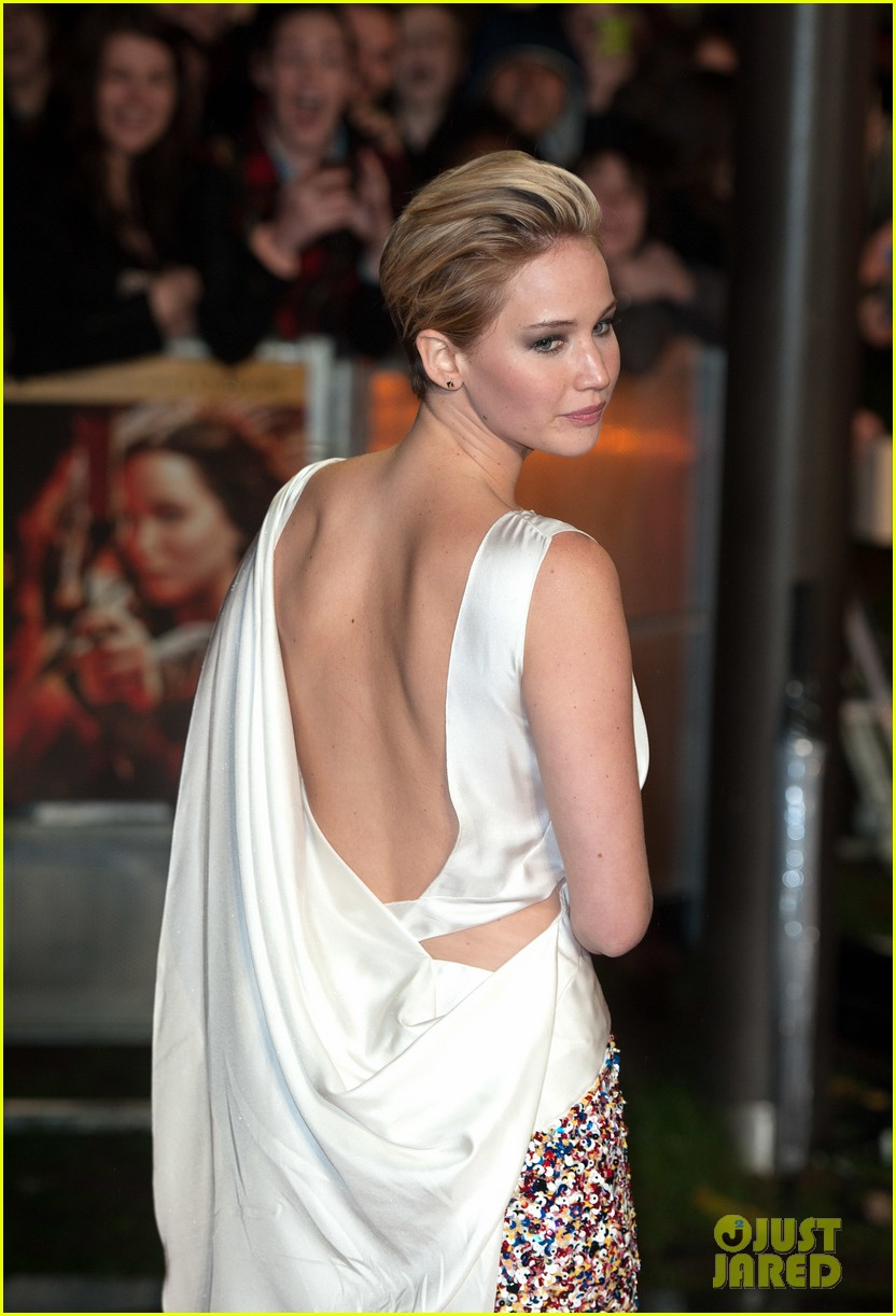 jennifer larence catching fire london premiere red carpet 022990441