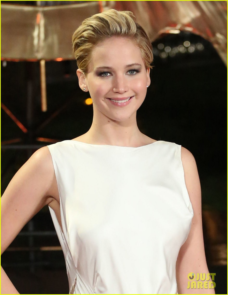 jennifer larence catching fire london premiere red carpet 042990443