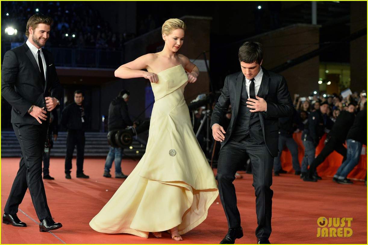 jennifer lawrence josh hutcherson catching fire rome premiere 172992734