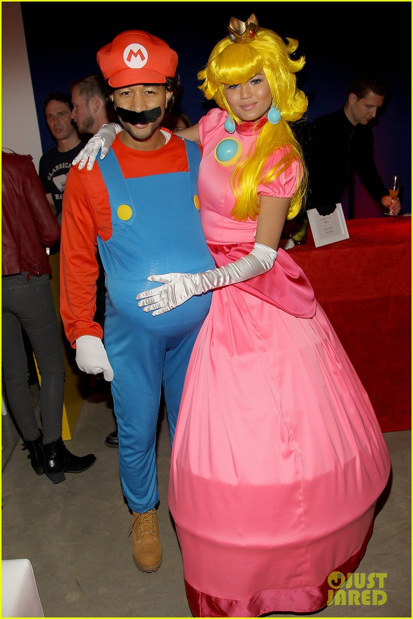 John Legend & Chrissy Teigen Dress Up in Super Mario Bros. Costumes ...
