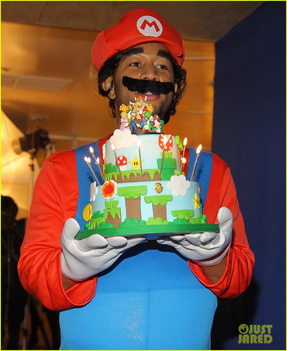 john legend chrissy teigen super mario bros birthday party 02