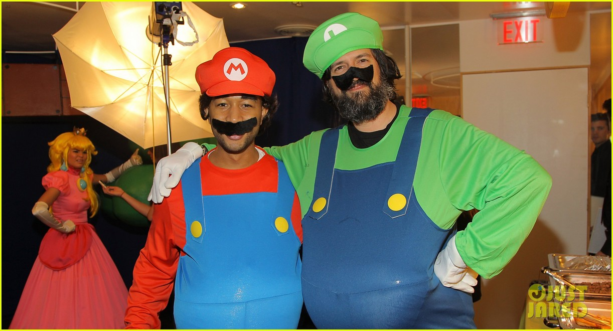 john legend chrissy teigen super mario bros birthday party 083001415