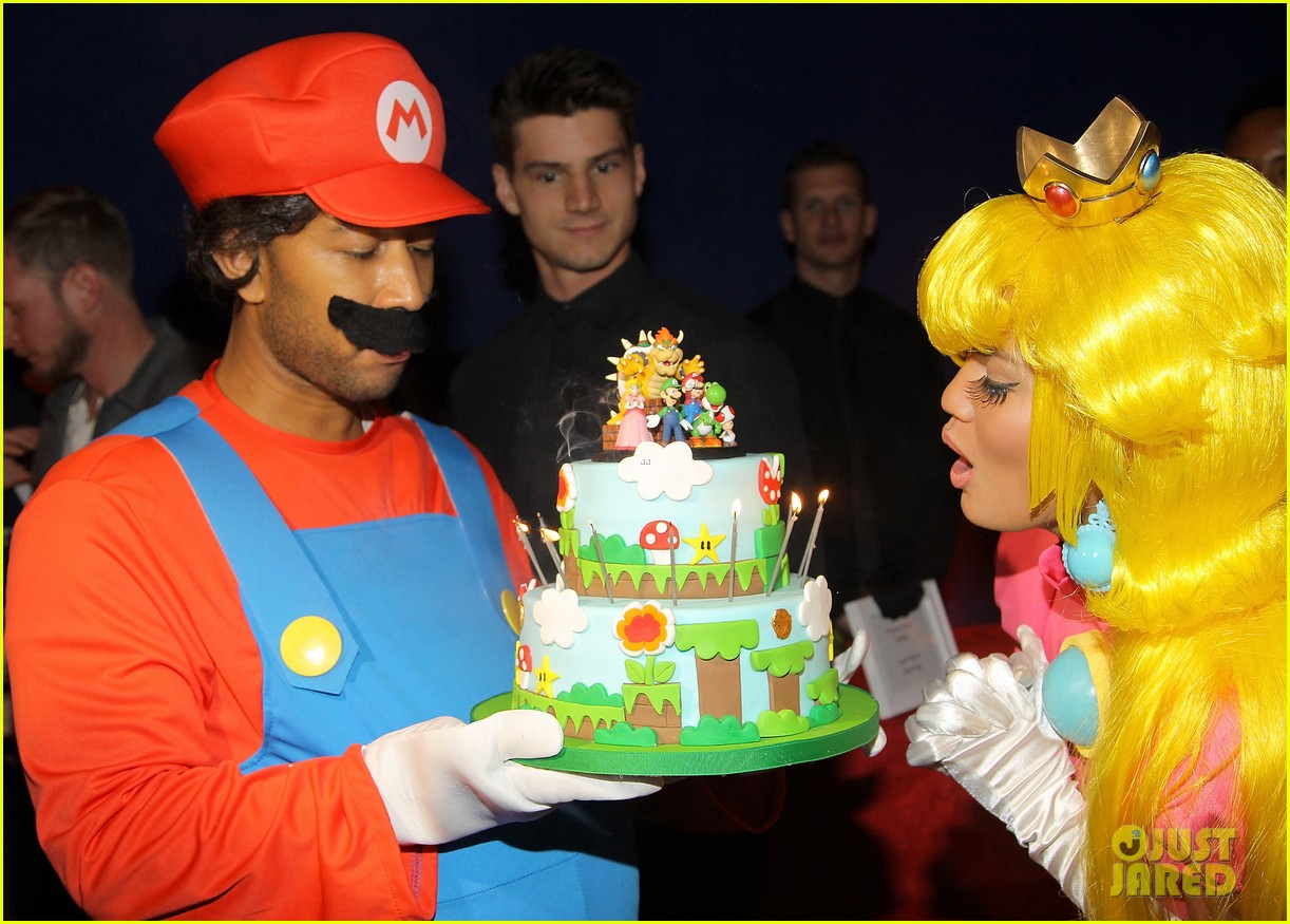 john legend chrissy teigen super mario bros birthday party 163001423