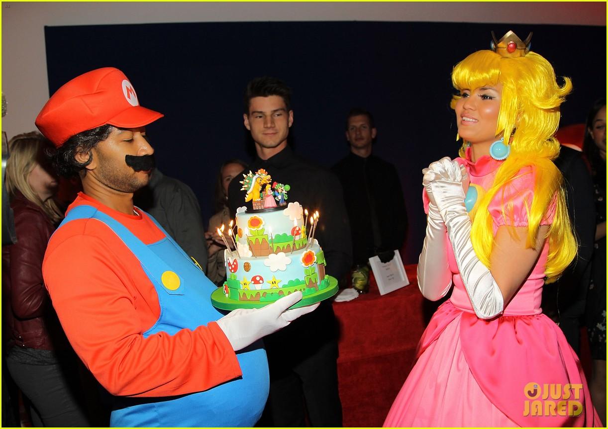 John Legend Chrissy Teigen Dress Up In Super Mario Bros