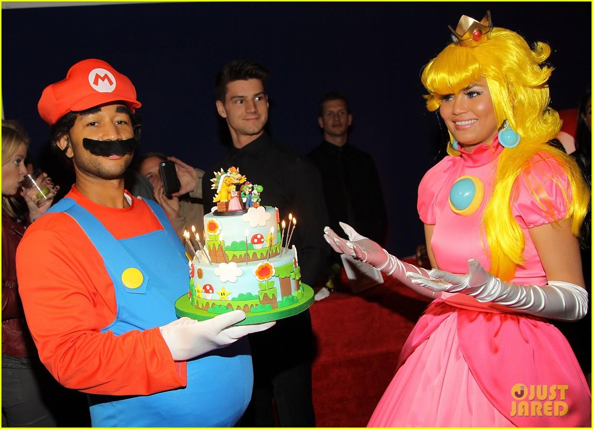 john legend chrissy teigen super mario bros birthday party 303001437