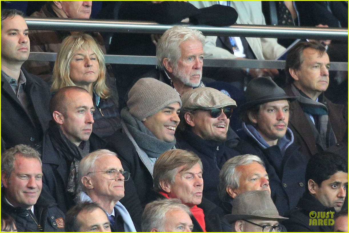leonardo dicaprio paris soccer game with mom irmelin 092986691