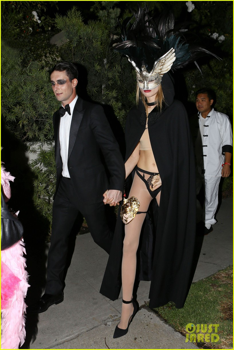 adam levine behati hold hands after hosting halloween party 012984188