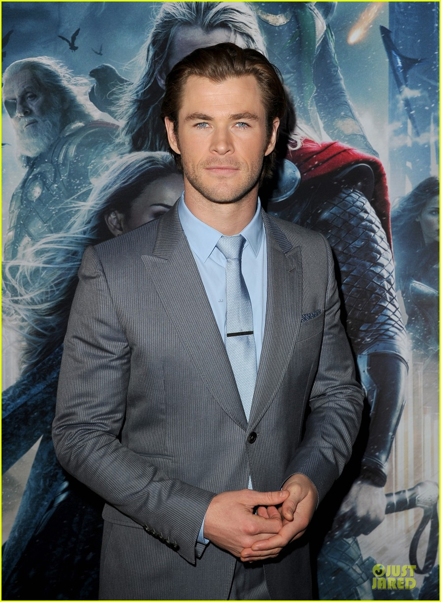 liam hemsworth supports bro chris at thor hollywood premiere 062986250