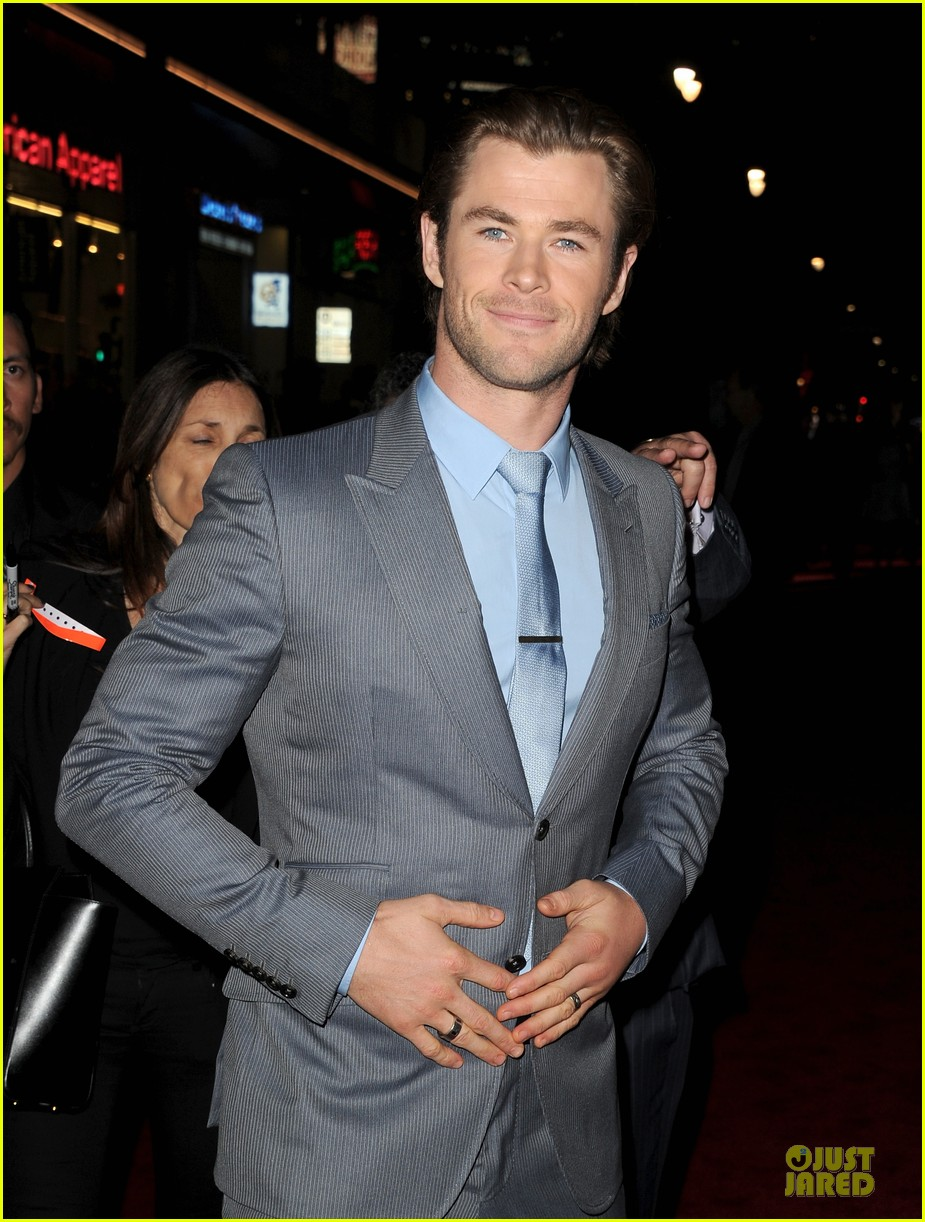 liam hemsworth supports bro chris at thor hollywood premiere 092986253