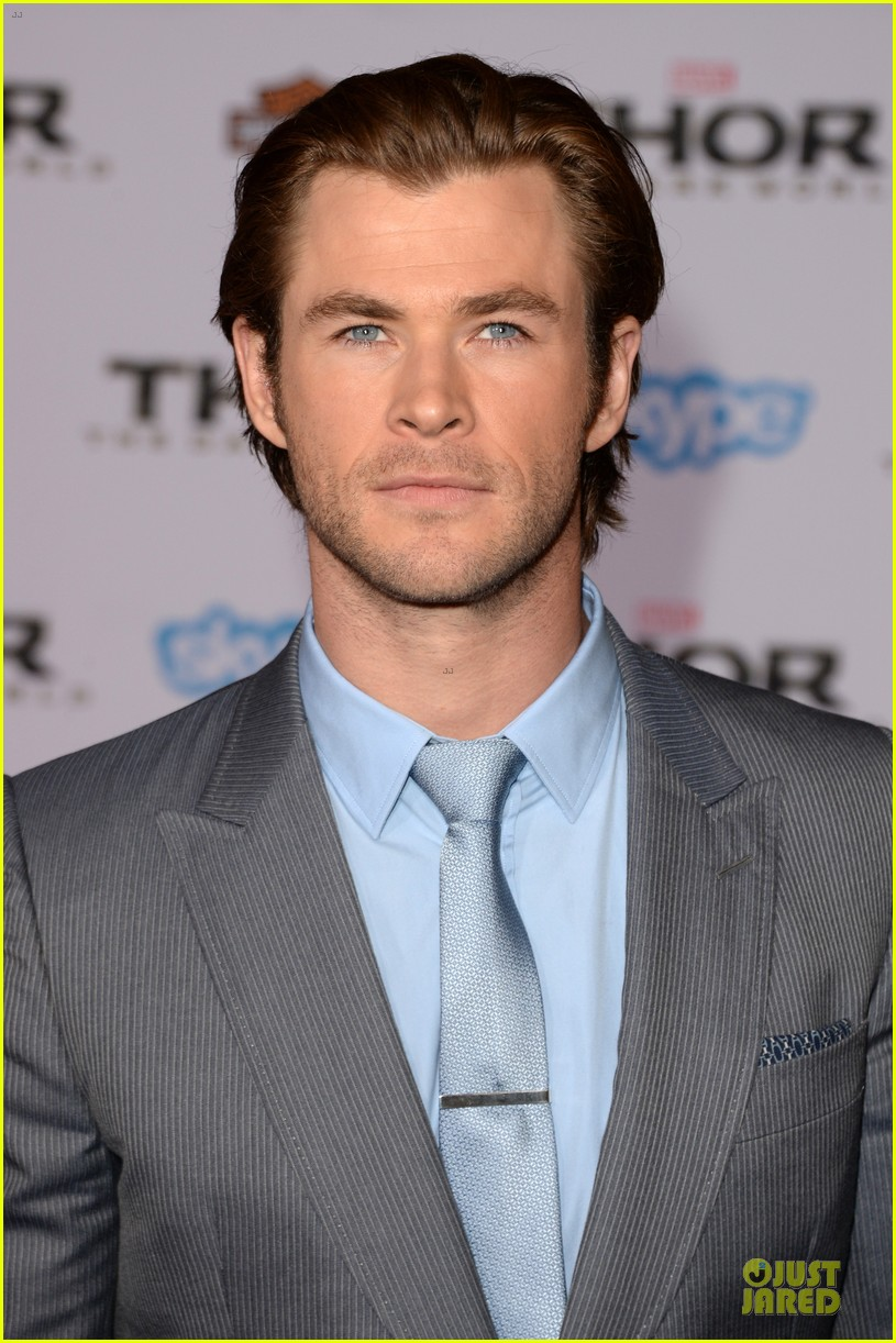 liam hemsworth supports bro chris at thor hollywood premiere 102986254