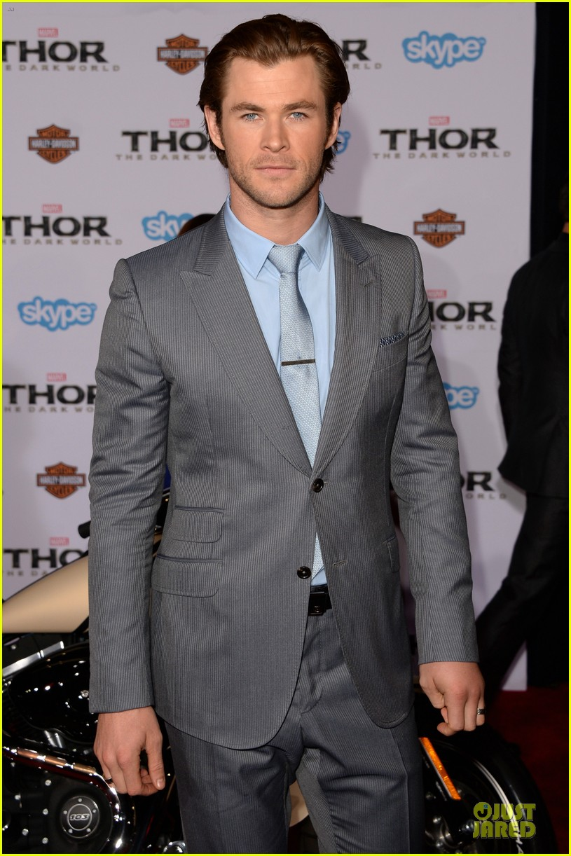 liam hemsworth supports bro chris at thor hollywood premiere 112986255