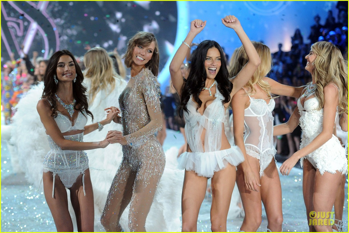 adriana lima lily aldridge victorias secret fashion show 2013 172992221