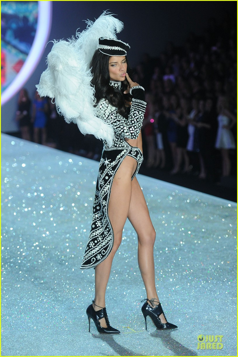 adriana lima lily aldridge victorias secret fashion show 2013 202992224