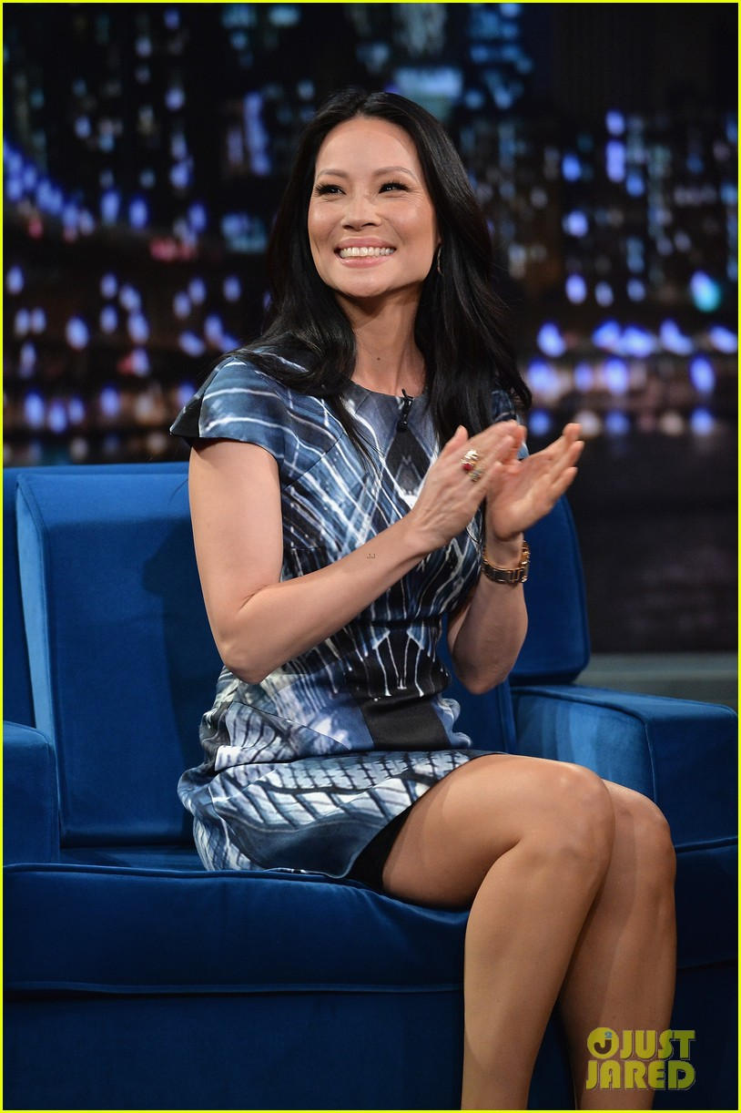zachary quinto lucy liu play catchphrase on jimmy fallon 092986972