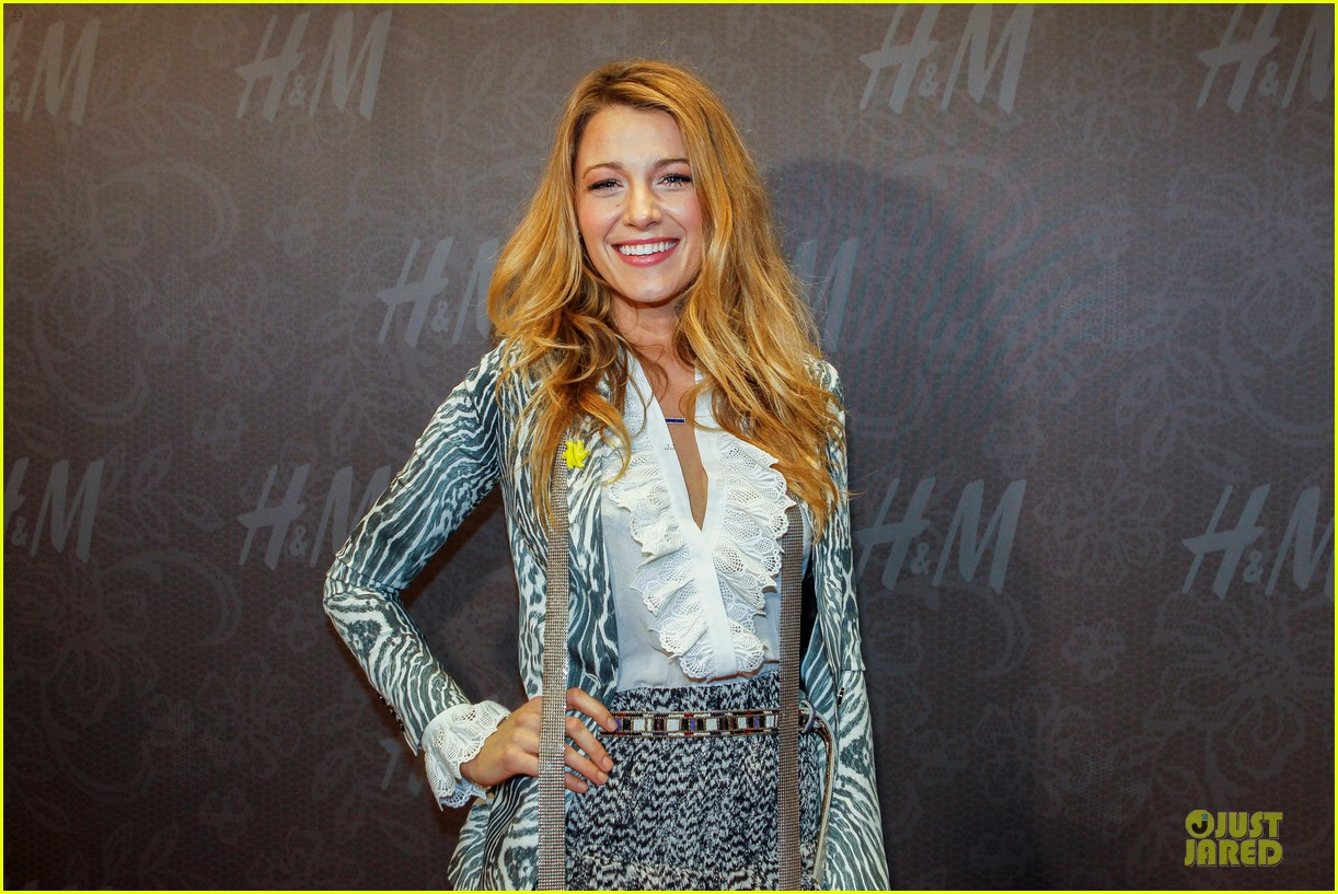 blake lively emma roberts hm new orleans store opening 012994371