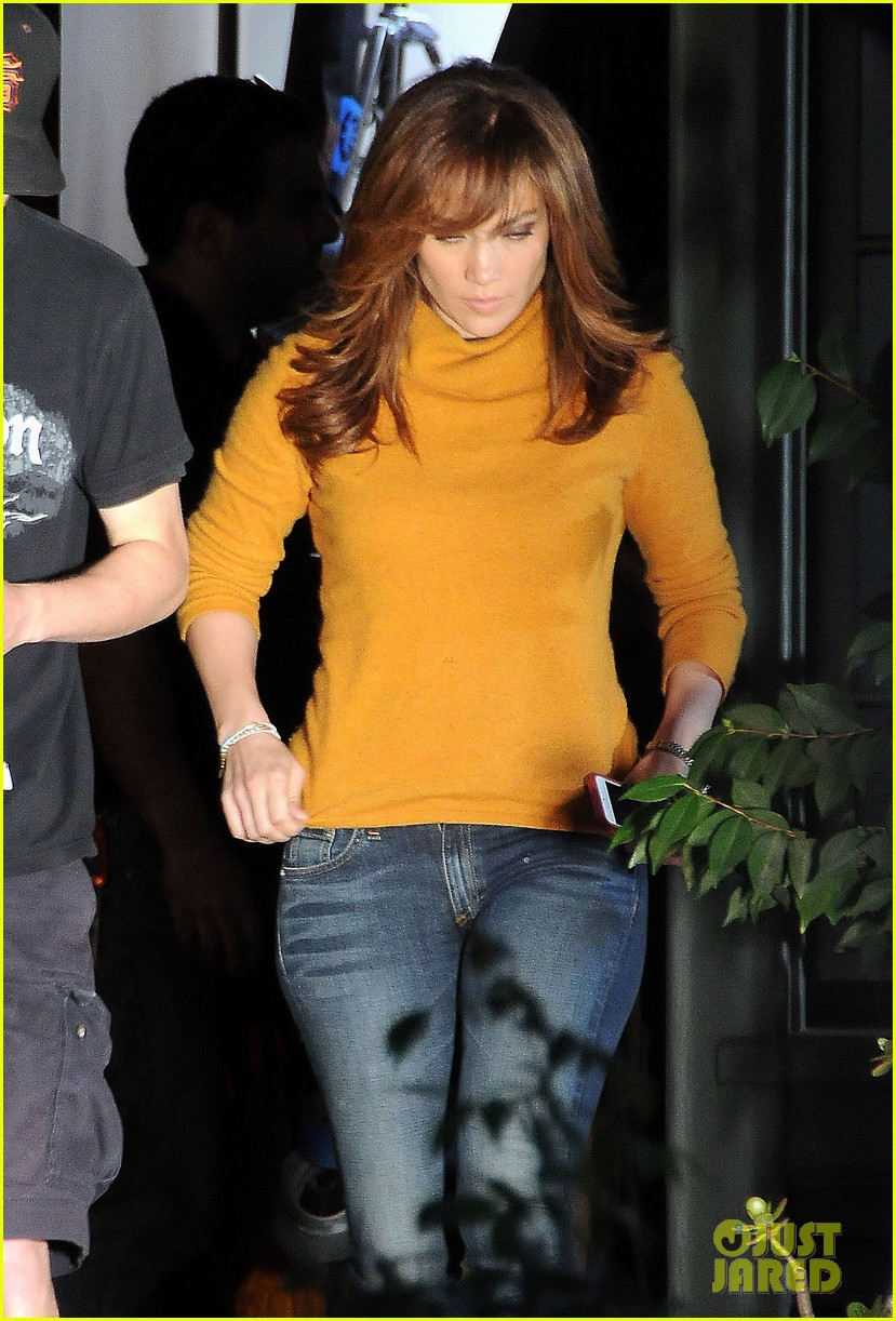 jennifer lopez begins filming boy next door 042990160