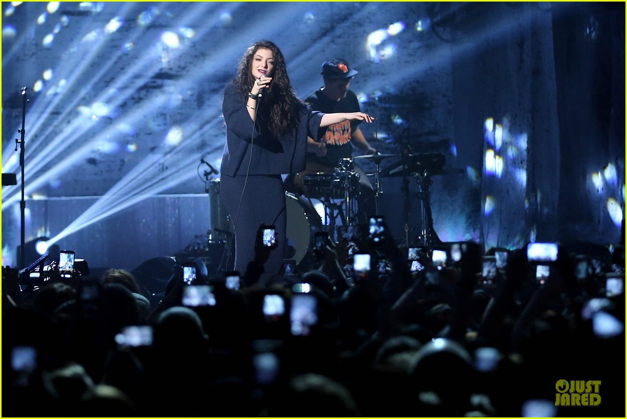 lorde joe manganiello you oughta know in concert 182990929