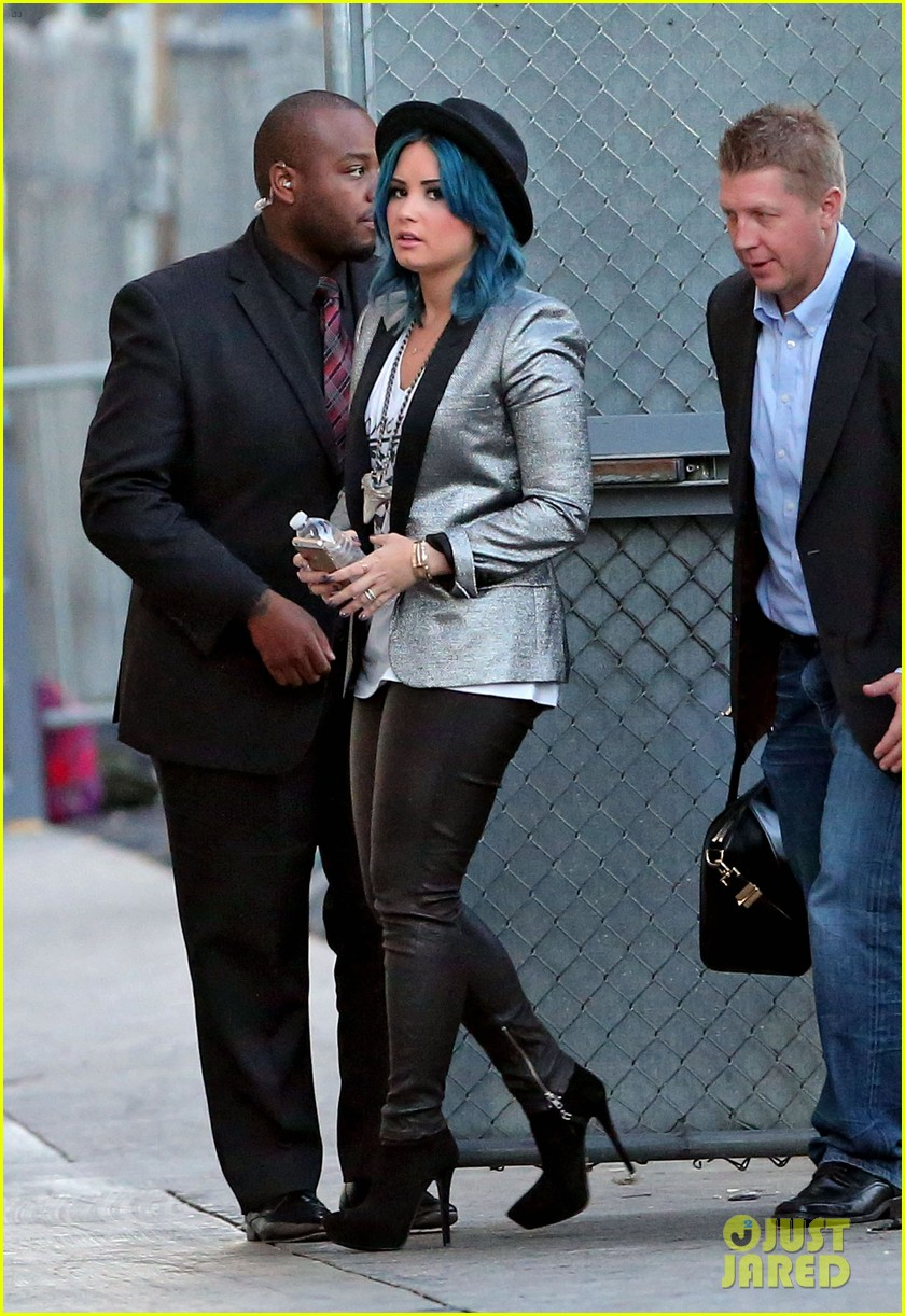 demi lovato stops by jimmy kimmel live 123000513