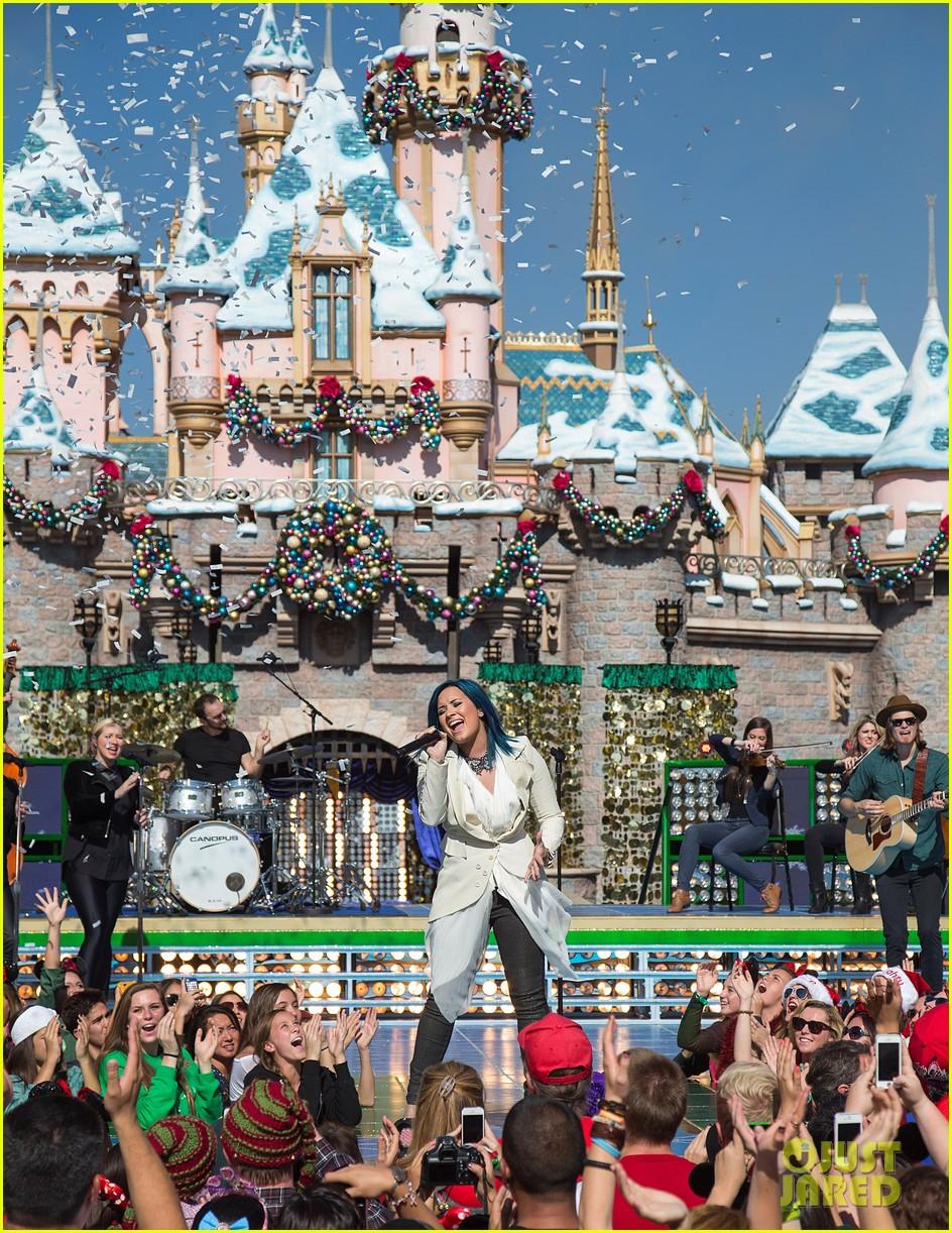 demi lovato jordin sparks disney christmas parade taping 052989625