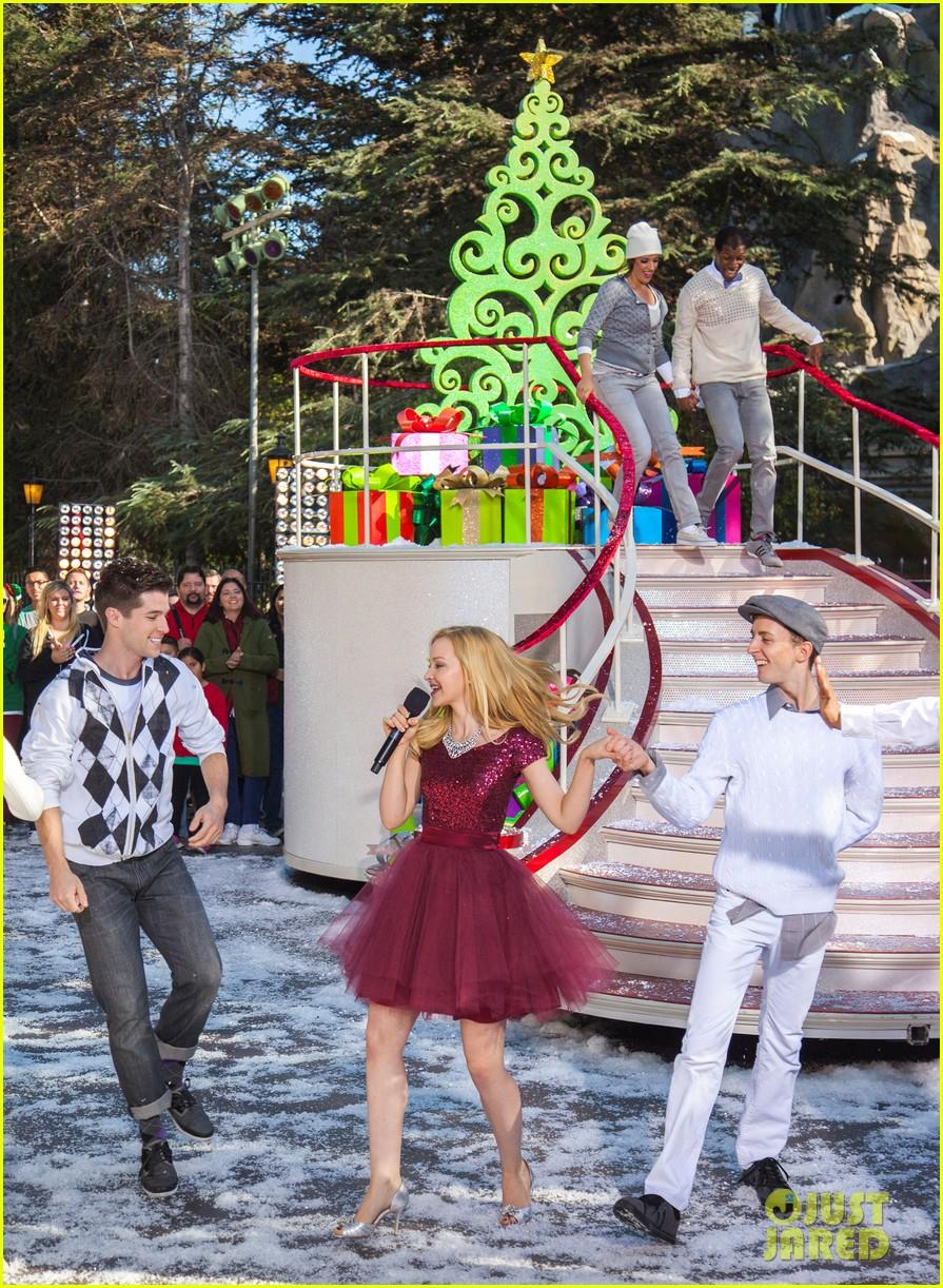 demi lovato jordin sparks disney christmas parade taping 07