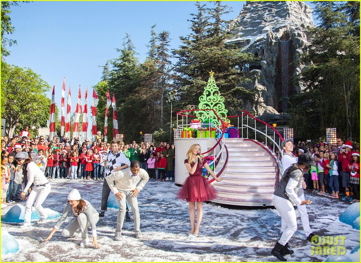 demi lovato jordin sparks disney christmas parade taping 082989628