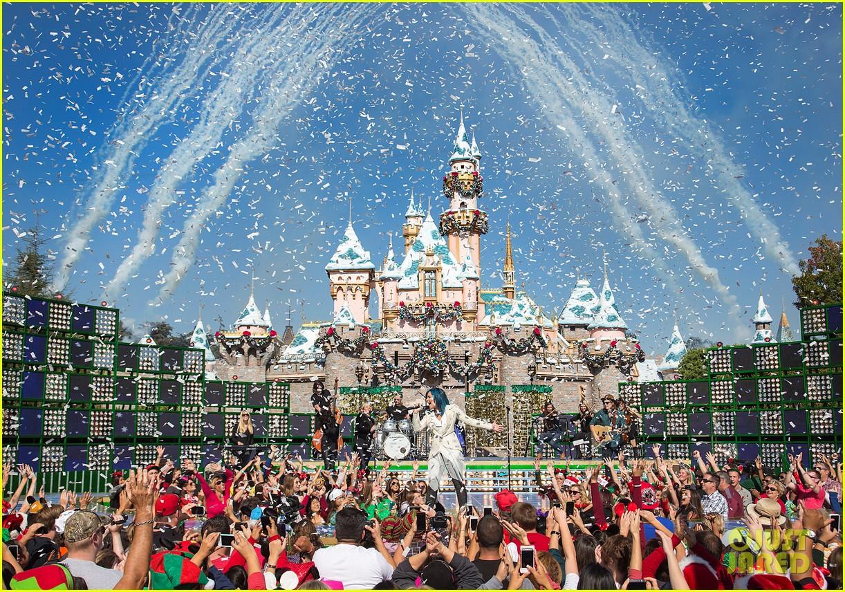 demi lovato jordin sparks disney christmas parade taping 092989629