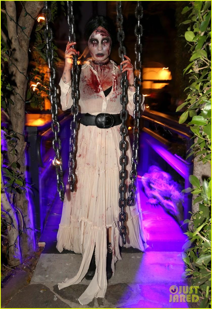 demi lovato dead zombie halloween costume 2013 012984110