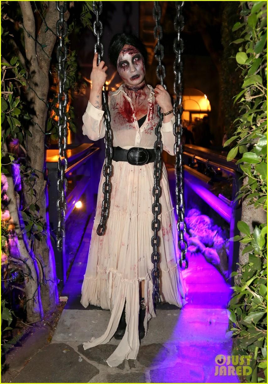 demi lovato dead zombie halloween costume 2013 032984112