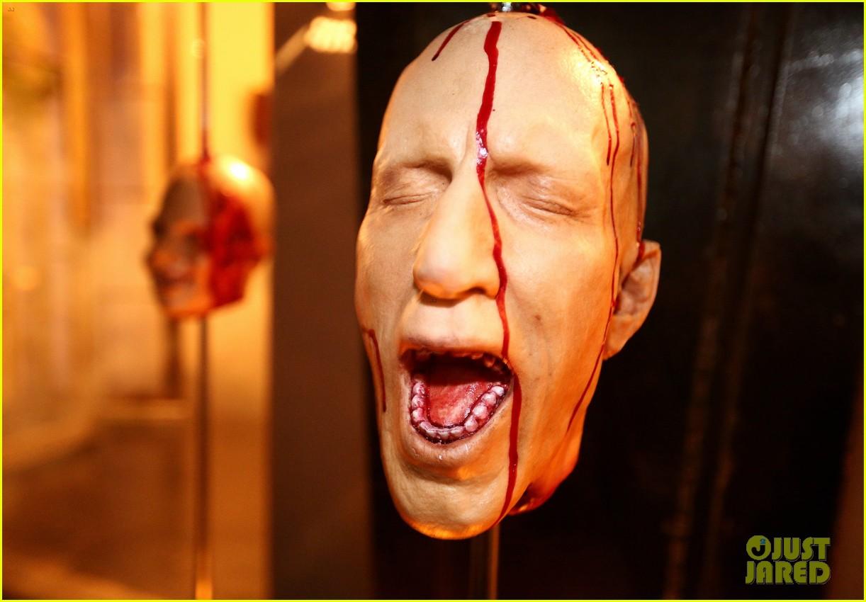 demi lovato dead zombie halloween costume 2013 102984119