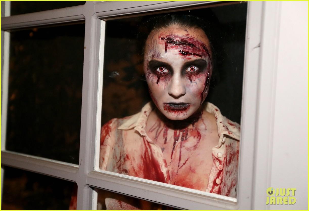 demi lovato dead zombie halloween costume 2013 182984127