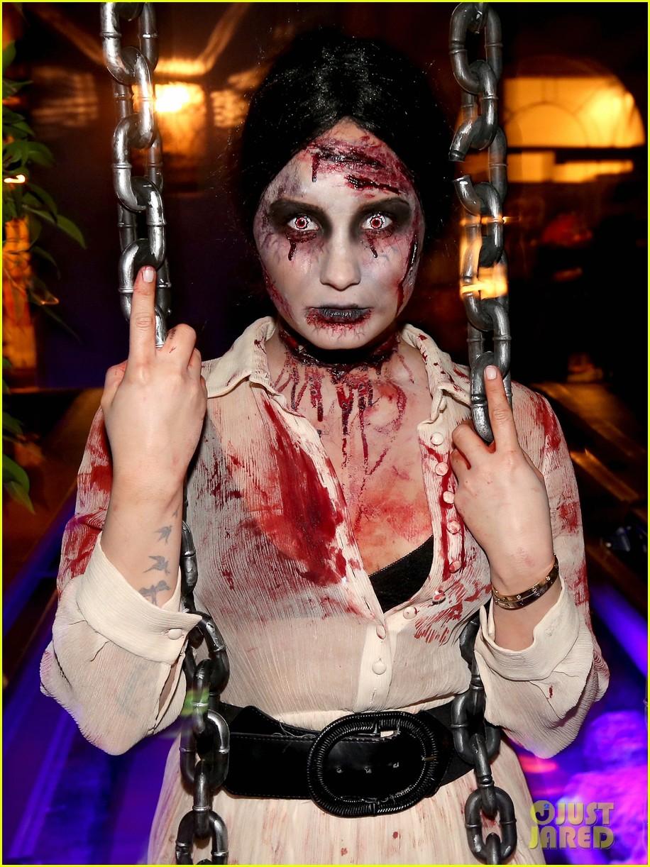 demi lovato dead zombie halloween costume 2013 222984131